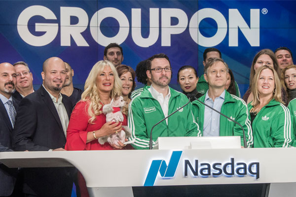 nasdaq-bell-ringing-dr-jacquie-smiles-nyc